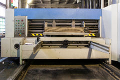 Machine de fabrication de carton Images libres de droits
