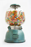 Machine de Gumball d'une vieille mémoire en 1950 Photo stock