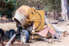 Machine de mélangeur concret utilisée Image libre de droits