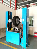 Machine de perforateur de pneu Images libres de droits