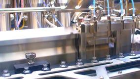 Machine de remplissage automatique pour la production des médecines dans les ampoules