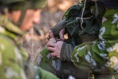 Machine de remplissage russe de soldats image stock