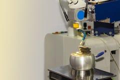 Machine de technologie de pointe et de soudure laser de précision pour un moule et mourir ou une pièce différente de produit modi photos stock