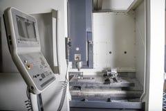 Machine de tour de commande numérique par ordinateur Image libre de droits
