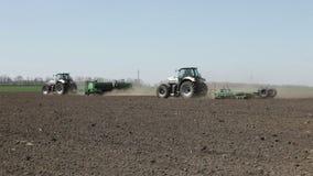 Machine de tracteur et de semoir clips vidéos