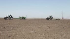 Machine de tracteur et de semoir banque de vidéos