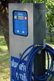 Machine de vérification automatique de pneu, air de suffisance pour fatiguer la machine Photo stock