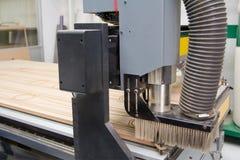 Machine en bois de commande numérique par ordinateur de couteau de coupeur Images stock