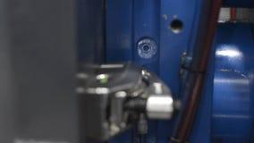 Machine en plastique automatique de moulage par injection clips vidéos