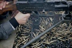 Machine-gun in der Tätigkeit Lizenzfreie Stockbilder