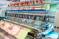 Machine industrielle de broderie Photo stock