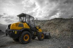 Machine jaune de construction - coupée Image libre de droits