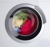 Machine à laver moderne Photographie stock libre de droits
