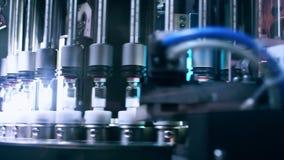 Machine pharmaceutique Fioles sur la chaîne de production à l'usine pharmaceutique
