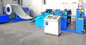 Machine pour la tôle d'acier de roulement photographie stock libre de droits