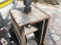 machine pour plier les places matal tube, cintreuse images libres de droits