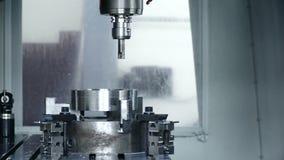 Machine productie bij de installatie stock video