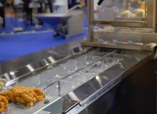 Machine van de voedsel de plastic verpakking royalty-vrije stock afbeelding