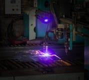 Machine voor het moderne automatische knipsel van de plasmalaser van metalen, plasmaknipsel met laser en laser, bank stock fotografie