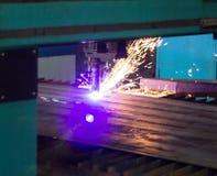 Machine voor het moderne automatische knipsel van de plasmalaser van metalen, plasmaknipsel met laser en laser, machines royalty-vrije stock fotografie