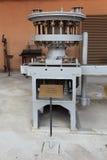 Machine voor het vullen van bierflessen Stock Foto's