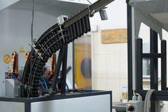 Machine voor HUISDIERENflessen van voorvormenzwarte Stock Afbeelding