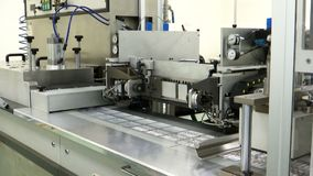 Machines de conditionnement automatiques pour l'ampoule médicale clips vidéos