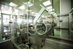 Machines in de farmaceutische industrie Stock Foto's