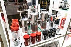 Machines exprès de café de Bialetti Moka photographie stock libre de droits