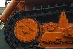 Machines lourdes sur la plate-forme ferroviaire photos stock