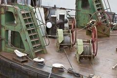 Machines op dek van het schip stock afbeelding