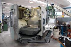 Machines-outils avec la commande numérique d'ordinateur et le x28 ; CNC& x29 ; Image libre de droits