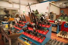Machines-outils avec la commande numérique d'ordinateur et le x28 ; CNC& x29 ; Photographie stock libre de droits