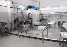 Machiney de production de fromage de L Latte d'Amordi de `, une société qui produit tous les types de fromage dans Cavallino, Ita Images libres de droits