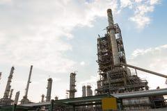 Macht en energie de fabriek van de olieraffinaderij royalty-vrije stock afbeeldingen