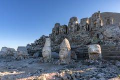 - macht Nemrut-Berg so wertvoll; Gefunden auf dem alten Grab, den monumentalen Skulpturen, den Architekturüberresten und den einz Stockfotografie