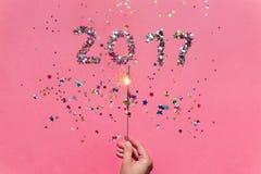 2017 machten von den Konfettis und von der Wunderkerze Lizenzfreie Stockfotos