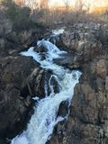 Machtige waterval in dichtbijgelegen C&O-Kanaal Royalty-vrije Stock Foto's