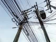 Machts elektrische lijnen Stock Foto