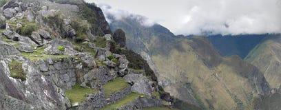 Machu dramático Picchu nas nuvens imagens de stock