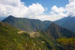 Machu Picchu archeological miejsce Picchu iluminujący światłem słonecznym i Wayna Zdjęcie Stock