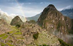 Machu Picchu con el arco iris Foto de archivo libre de regalías
