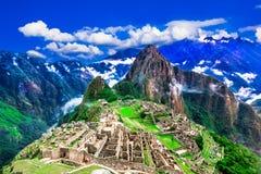 Machu Picchu, Cusco, Перу: Обзор потерянного города Machu Picchu inca с пиком Wayna Picchu стоковые изображения rf
