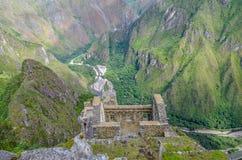 MACHU-PICCHU, CUSCO-REGION, PERU JUNI 4, 2013: Panoramautsikt av Machu Picchu berg från Huayna Picchu Royaltyfria Bilder