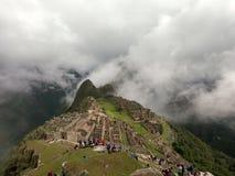 Machu Picchu in de wolken royalty-vrije stock afbeelding