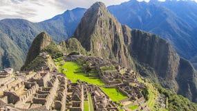 Machu Picchu en el sol de la mañana Imágenes de archivo libres de regalías