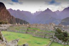 Machu Picchu en la niebla de la mañana Imagenes de archivo