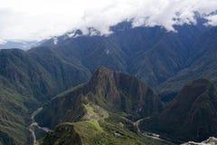 Machu Picchu et picchu de huayna dans une image simple photo stock