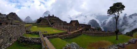 Machu Picchu, Incnca-ruïnes in de Peruviaanse Andes royalty-vrije stock afbeeldingen