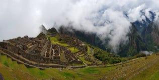 Machu Picchu, Incnca-ruïnes in de Peruviaanse Andes stock fotografie